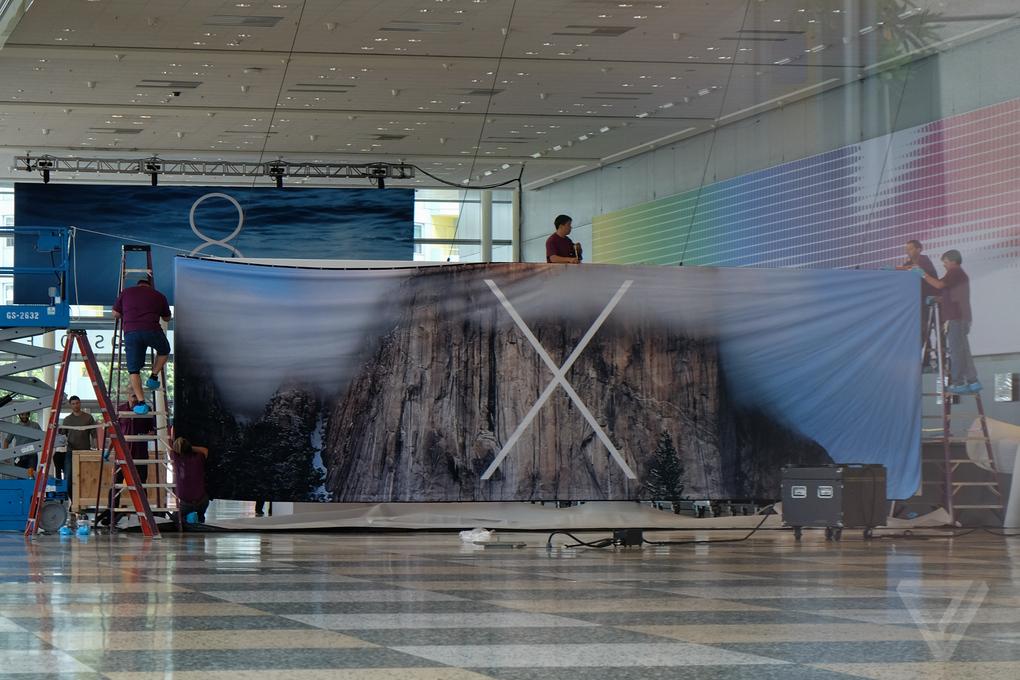 """OS X 10.10"" reklaminis stendas"
