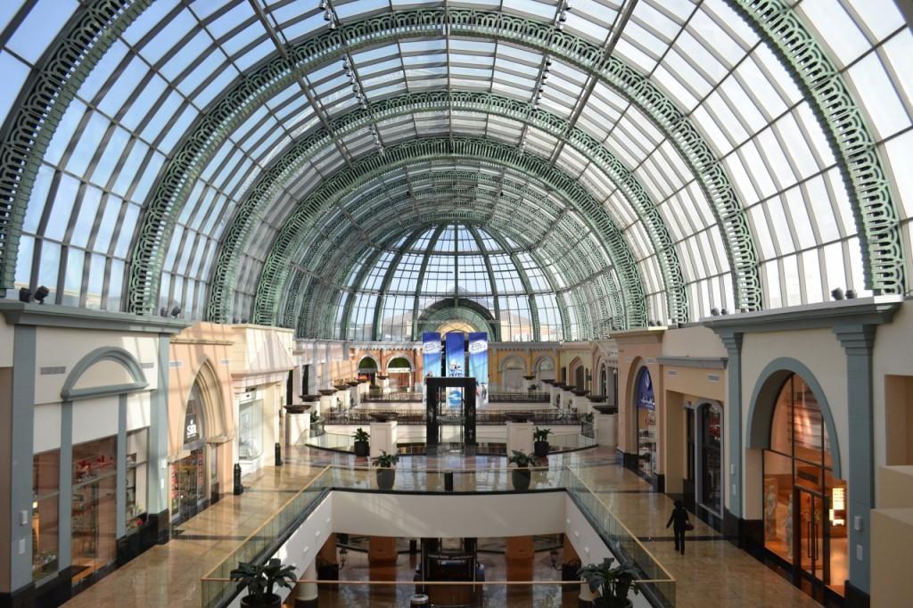 """Dubajuje gali būti atidaryta didžiausia pasaulyje """"Apple"""" parduotuvė"""