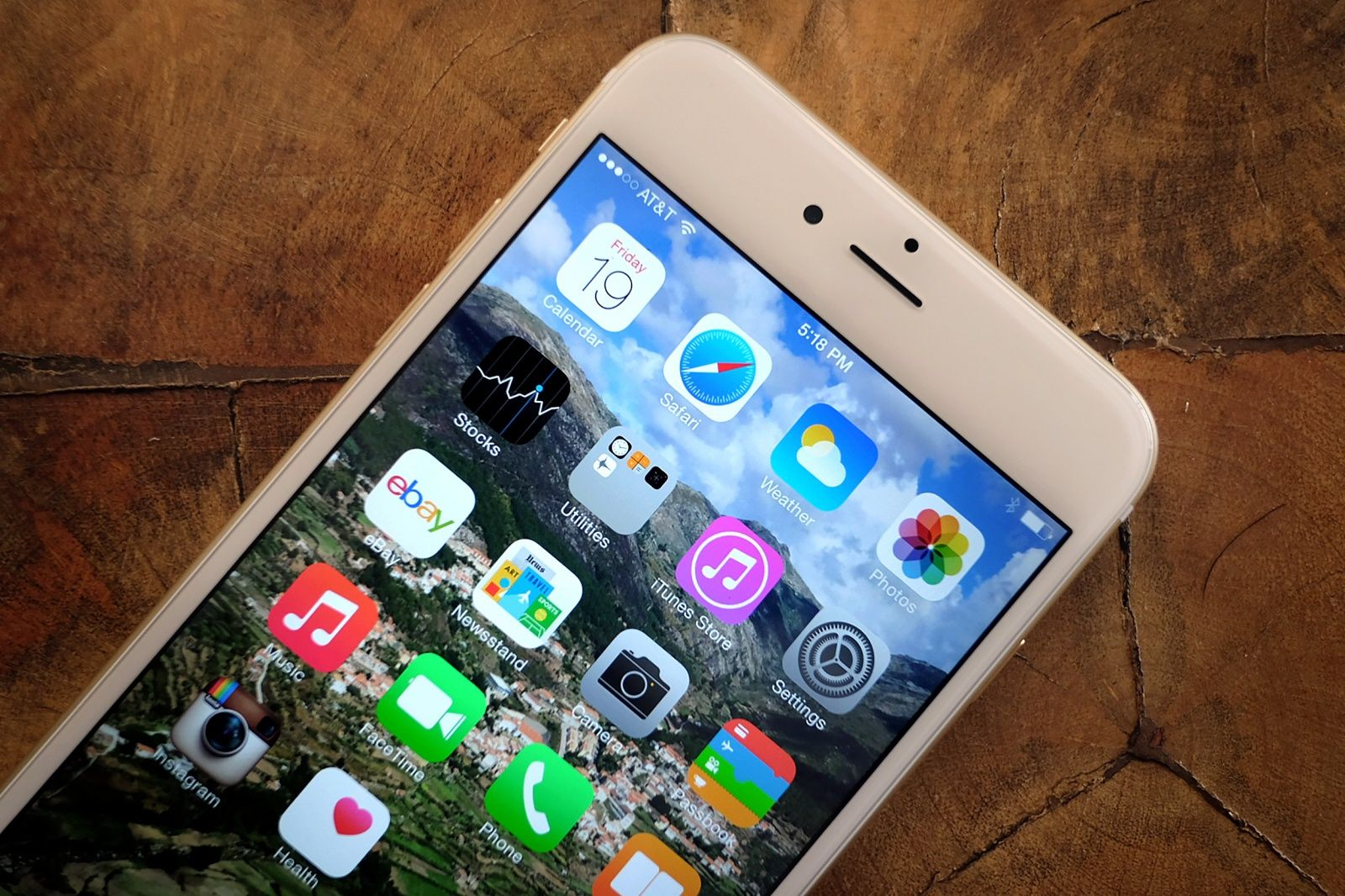 """iPhone"" su ""iOS 8"""