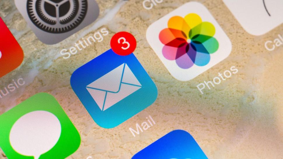 """""""iOS"""" pašto programa"""